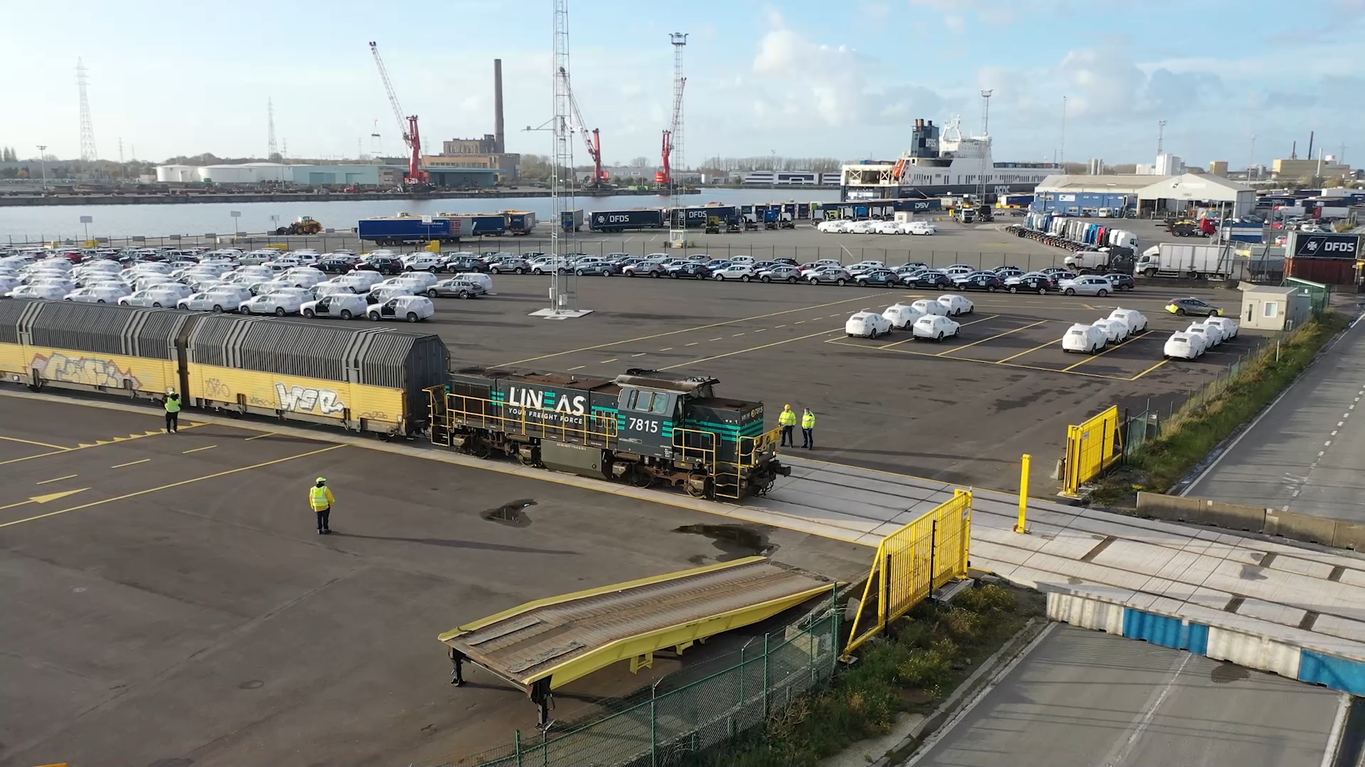 Volvo cars being loaded onto Lineas train to be transported to the European Hinterland and China.